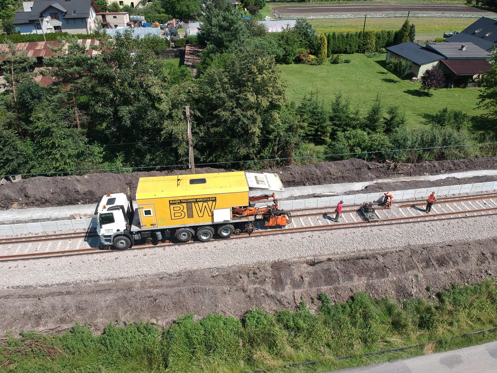 Operator dwudrogowej zgrzewarki szyn kolejowych