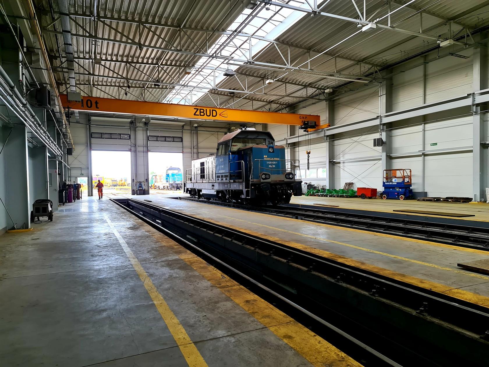 Serwisant-mechanik kolejowych maszyn budowlanych