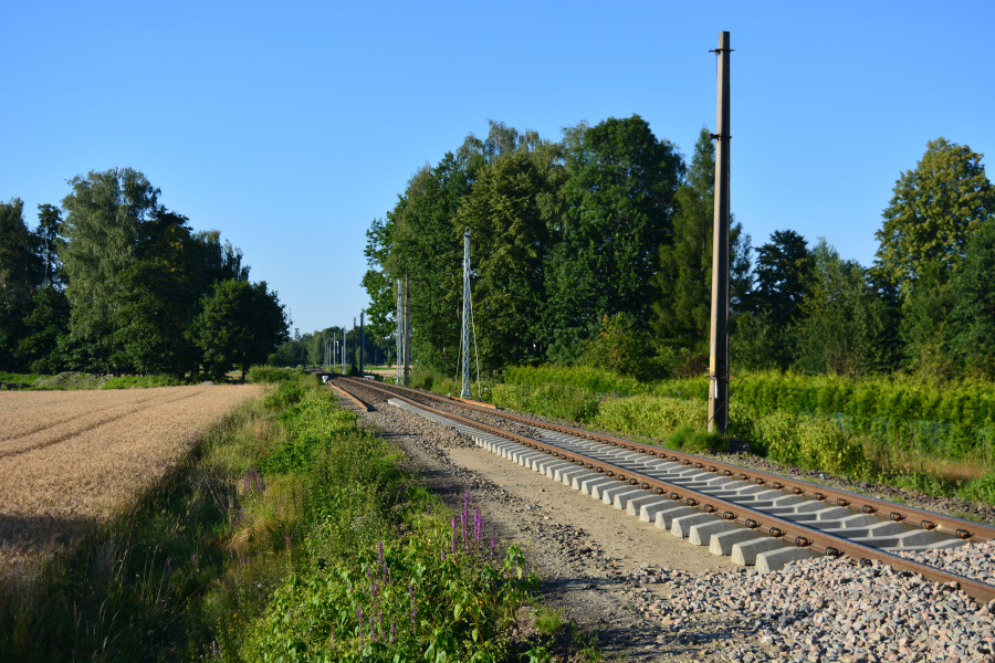 Traction will build a catenary system on the route to the Beskids.